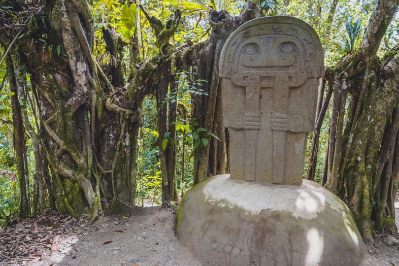 Statue Dans Le Bosque De Las Estatuas A San Agustin En Colombie
