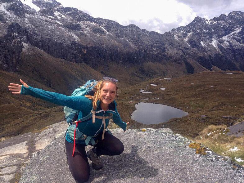 Anna Voyageuse En Amérique Du Sud Avec Son Sac à Dos