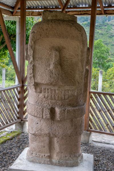 Statue Monolithique Antropomorphe D'el Tablon à Tierradentro